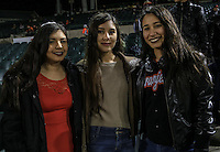 Cristina Ruiz, Brenda Martínez y Cindi Loreto, durante el tercer juego de la Serie entre Tomateros de Culiacán vs Naranjeros de Hermosillo en el Estadio Sonora. Segunda vuelta de la Liga Mexicana del Pacifico (LMP) **26Dici2015.<br /> **CreditoFoto:LuisGutierrez<br /> **<br /> Shares during the third game of the series between Culiacan Tomateros vs Orange sellers of Hermosillo in Sonora Stadium. Second round of the Mexican Pacific League (PML)