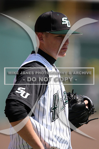 February 21, 2010:  Pitcher Tucker Donahue (50) of the Stetson Hatters during the teams opening series at Melching Field at Conrad Park in DeLand, FL.  Photo By Mike Janes/Four Seam Images