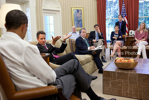 United States President Barack Obama meets with senior advisors in the Oval Office to discuss ongoing efforts in the debt limit and deficit reduction talks, Sunday, July 31, 2011. Pictured, from left, are: Treasury Secretary Timothy Geithner; Chief of Staff Bill Daley; National Economic Council Director Gene Sperling; OMB Director Jack Lew; Senior Advisor Valerie Jarrett; Bruce Reed, Chief of Staff to the Vice President; and Counsel to the President Kathryn Ruemmler..Mandatory Credit: Pete Souza - White House via CNP