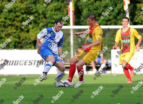 2012-08-29 / Voetbal / seizoen 2012-2013 / Bornem - Brakel / Bernd de Coene (l. Brakel) met Pieter Beckers..Foto: Mpics.be