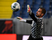 Kevin Trapp (Eintracht Frankfurt) Aufwärmen - 26.05.2020 Fussball 1.Bundesliga Spieltag 28, Eintracht Frankfurt  - SC Freiburg emspor, <br /> <br /> Foto: Jan Huebner/Pool/ Via Marc Schueler/Sportpics.de<br /> (DFL/DFB REGULATIONS PROHIBIT ANY USE OF PHOTOGRAPHS as IMAGE SEQUENCES and/or QUASI-VIDEO), Editorial use only. National and International News Agencies OUT
