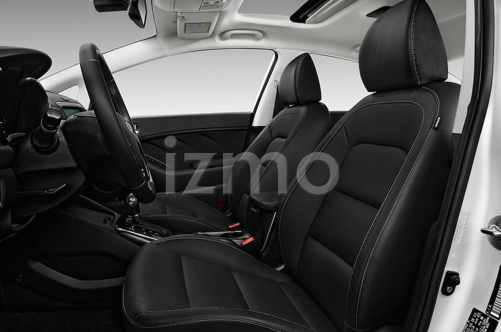 Front seat view of 2018 KIA Forte EX-AT 4 Door Sedan Front Seat  car photos