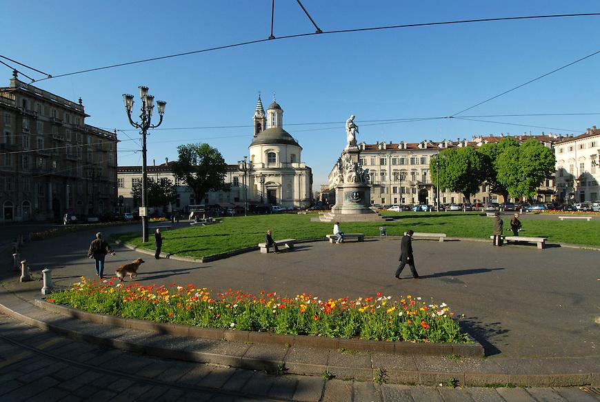 Piazza Carlo Emanuele II detta piazza Carlina. Carlina square.