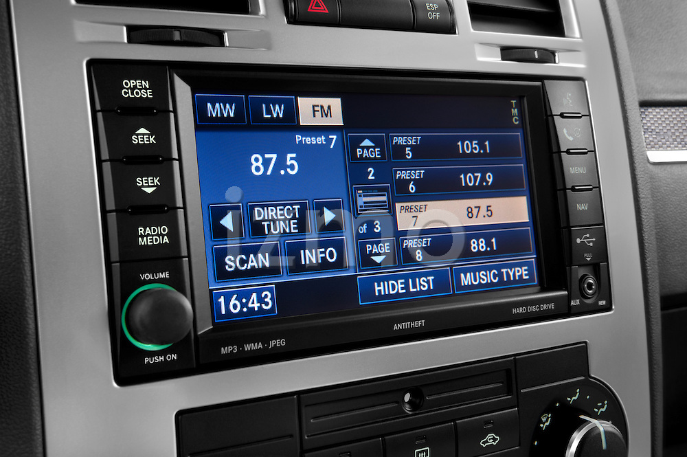 Stereo audio system close up detail view of a 2009 Chrysler 300 CRD