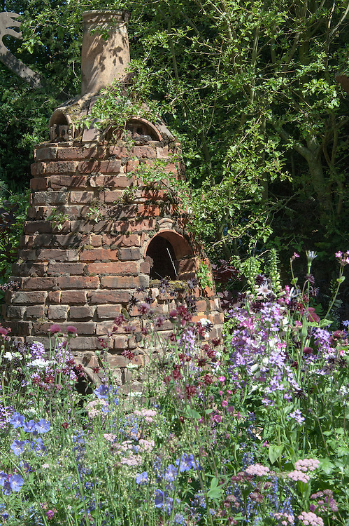 The Potter's Garden, gold medal winner in the artisan garden section at the Chelsea Flower Show, 2014. Designed by Nature Redesigned (Francesca Murrell and Emma Page).