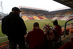 Sunderland fans settle in early ahead of kick off - Bradford City vs. Sunderland - FA Cup Fifth Round - Valley Parade - Bradford - 15/02/2015 Pic Philip Oldham/Sportimage