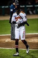 Domonic Brown es ponchado, durante juego de beisbol de la Liga Mexicana del Pacifico temporada 2017 2018. Tercer juego de la serie de playoffs entre Mayos de Navojoa vs Naranjeros. 04Enero2018. (Foto: Luis Gutierrez /NortePhoto.com)