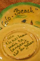Europe/France/Provence-Alpes-Côte d'Azur/06/Alpes-Maritimes/Nice:  Restaurant  le Coco Beach -Détail de la vaisselle du restaurant en faïence de Vallauris