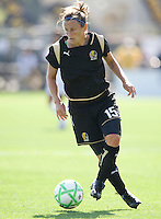 24 May 2009: Tiffeny Milbrett of the FC Gold Pride in action during the game against Los Angeles Sol at Buck Shaw Stadium in Santa Clara, California.  Los Angeles Sol defeated FC Gold Pride, 2-0.