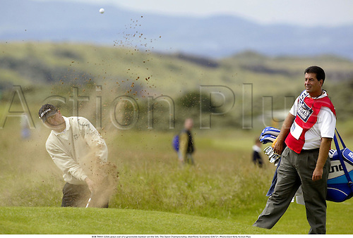 BOB TWAY (USA) plays out of a greenside bunker on the 5th, The Open Championship, Muirfield, Scotland, 020721. Photo:Glyn Kirk/Action Plus...Golf.2002.sandtrap sand trap traps bunkers