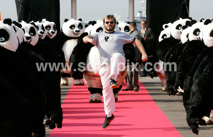 **ALL ROUND PICTURES FROM SOLARPIX.COM**.**SYNDICATION RIGHTS FOR UK AND SPAIN ONLY**.Jack Black at the photocall of Kung Fu Panda at the 61th International Filmfestival in Cannes, France. 14th May 2008..JOB REF: 6396 CPR/Hans Heinz DATE: 14_05_2008.**MUST CREDIT SOLARPIX.COM OR DOUBLE FEE WILL BE CHARGED* *UNDER NO CIRCUMSTANCES IS THIS IMAGE TO BE REPRODUCED FOR ANY ONLINE EDITION WITHOUT PRIOR PERMISSION*