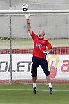MADRID (25/05/09).- The Spanish Soccer national training session.  Victor Valdes...PHOTO: Cesar Cebolla / ALFAQUI