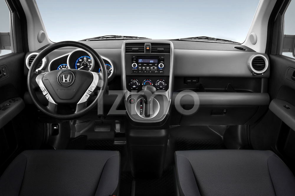 Straight dashboard view of a 2008 Honda Element EX SUV