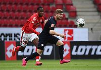 24th May 2020, Opel Arena, Mainz, Rhineland-Palatinate, Germany; Bundesliga football; Mainz 05 versus RB Leipzig; Edimilson Fernandes (FSV Mainz 05) chases the run of Timo Werner (RB Leipzig)