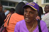SANTO DOMINGO, Rep&uacute;blica Dominicana. - A ritmo de merengue una multitud de personas acudi&oacute; a las afueras de la cede de FUNGLODE para dar las respectivas felicitaciones de cumplea&ntilde;os al ex presidente Leonel Fern&aacute;ndez, que en esta ocasi&oacute;n celebra sus 65.<br /> <br /> &copy; Edgar Hern&aacute;ndez<br /> 26/12/2018