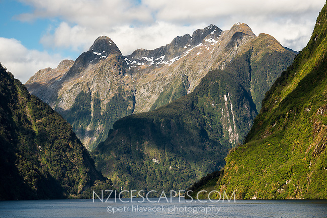 Mountain views with Mt. Danae 1495 on top right, from Hall  Arm in Doubtful Sound, Fiordland National Park, UNESCO World Heritage Area, Southland, New Zealand, NZ