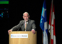 March 19 2003, Montreal, Quebec, Canada<br /> <br /> David Anderson,Canada's  Environment Minister, speak at the Opening Plenary Session  of Americana ;  a 3 daysconference and  trade show on environment and waste management organized by Reseau Environnement, March 19, 2003 in Montreal, Canada.<br /> <br /> Mandatory Credit: Photo by Pierre Roussel- Images Distribution. (&copy;) Copyright 2003 by Pierre Roussel <br /> <br /> NOTE : <br />  Nikon D-1 jpeg opened with Qimage icc profile, saved in Adobe 1998 RGB<br /> .Uncompressed  Original  size  file availble on request.