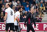 AMSTELVEEN - Billy Bakker (A'dam) en Valentin Verga (A'dam) met Manager Monique koolhaas (Adam)     tijdens  de shoot outs, bij  de  eerste finalewedstrijd van de play-offs om de landtitel in het Wagener Stadion, tussen Amsterdam en Kampong (1-1). Kampong wint de shoot outs.  . COPYRIGHT KOEN SUYK