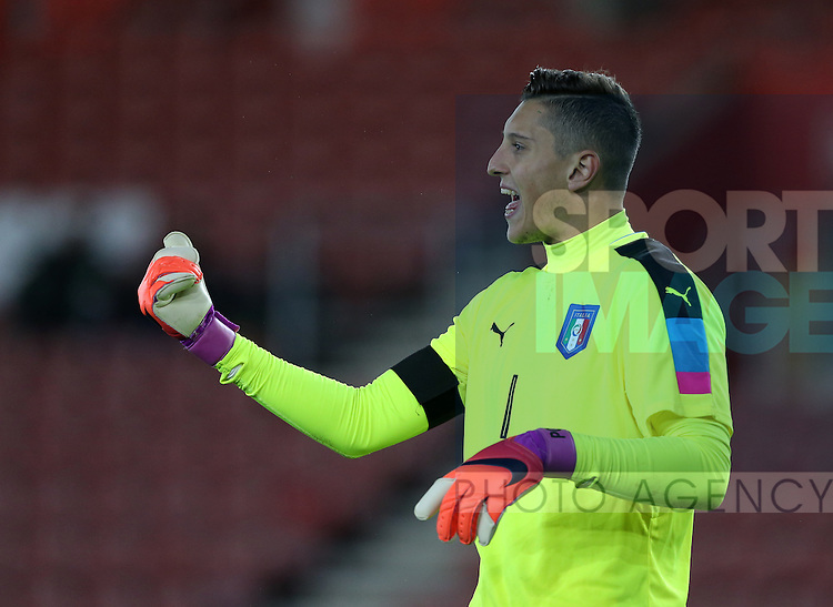 Italy's Peirluigi Gollini in action during the Under 21 International Friendly match at the St Mary's Stadium, Southampton. Picture date November 10th, 2016 Pic David Klein/Sportimage