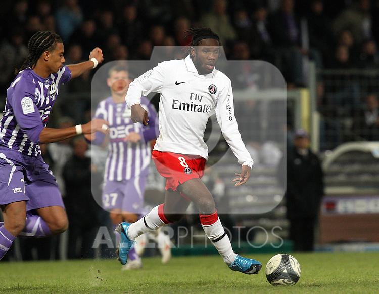 Guy Makanda Luyindula attacks for PSG as Toulouse beat Paris Saint Germain 1-0 at Stade Municipal, Toulouse, France, 18th October 2009.