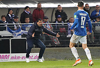 Trainer Dimitrios Grammozis (SV Darmstadt 98) regt sich auf - 04.10.2019: SV Darmstadt 98 vs. Karlsruher SC, Stadion am Boellenfalltor, 2. Bundesliga<br /> <br /> DISCLAIMER: <br /> DFL regulations prohibit any use of photographs as image sequences and/or quasi-video.