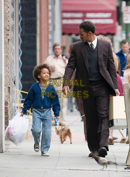 JADEN CHRISTOPHER SYRE SMITH & WILL SMITH.in The Pursuit of Happyness .**Editorial Use Only**.CAP/FB.Supplied by Capital Pictures