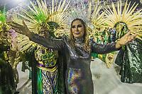 RIO DE JANEIRO (RJ) 29.02.2020 - Carnaval - Rio Escola de samba Estacao Primeira de Mangueira no desfile das campeas das escolas de samba do Grupo Especial do Rio de Janeiro neste sabado (29) na Marquues de Sapucai. Acantora Rosemary desfila no chao. (Foto: Ellan Lustosa/Codigo 19/Codigo 19)
