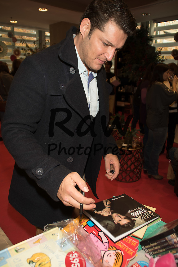 Muchas caras conocidas han visitado el rastrillo ben&eacute;fico Aladina en Madrid.<br /> <br /> Several celebrities have visited Aladina charity street market in Madrid on December 13th, 2015.