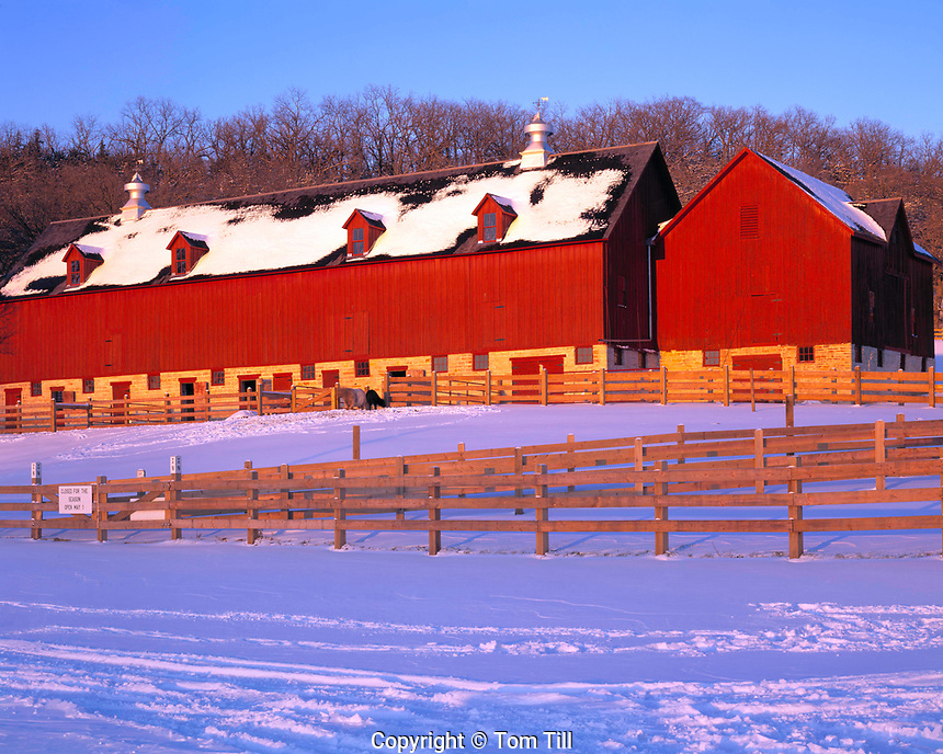 Ashmore-Jewell Barn, Decorah, Iowa     Classic Iowa farm barn in winter