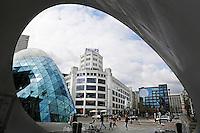 Nederland Eindhoven 2016 04 23. Het centrum van Eindhoven gefotgrafeerd vanuit de fietsenstalling. Links winkelcentrum The Blob.  Foto Berlinda van Dam / Hollandse Hoogte
