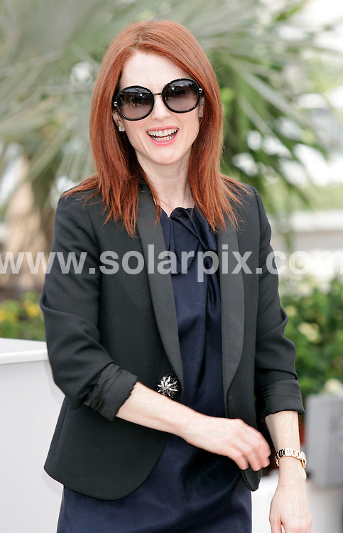 **ALL ROUND PICTURES FROM SOLARPIX.COM**.**SYNDICATION RIGHTS FOR UK AND SPAIN ONLY**.The photocall of 'Blindness' at the 61st International Filmfestival in Cannes, France. 14th May 2008..This pic: Julianne Moore..JOB REF: 6402 CPR/Hans Heinz DATE: 14_05_2008.**MUST CREDIT SOLARPIX.COM OR DOUBLE FEE WILL BE CHARGED* *UNDER NO CIRCUMSTANCES IS THIS IMAGE TO BE REPRODUCED FOR ANY ONLINE EDITION WITHOUT PRIOR PERMISSION*