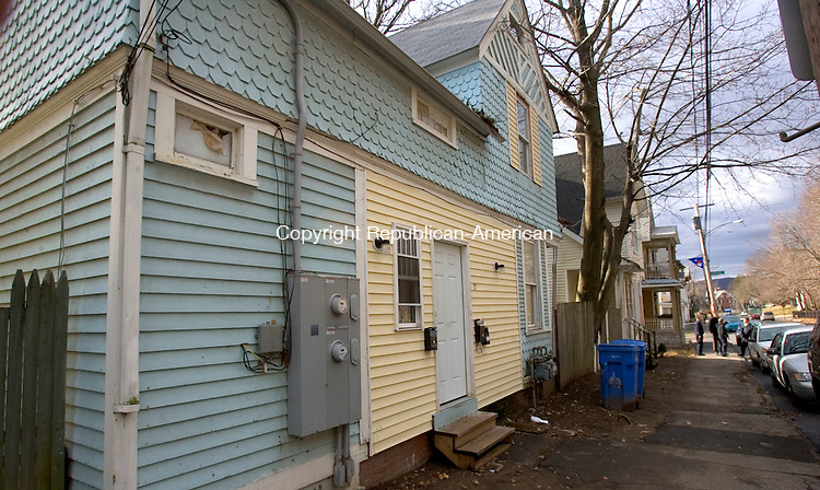 WATERBURY, CT. 13 January 2012-011312SV06-The fire marshals office is investigating this two family house as an illegal boarding house at 71 Hillside Avenue in Waterbury Friday..Steven Valenti Republican-American