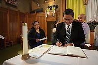 ARCHIVE - Bapteme catholique, Montreal<br /> <br /> PHOTO :  Agence Quebec Presse