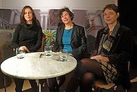 Die drei Leipziger Hochschulrektorinnen gemeinsam bei einer Diskussion im Frauenkultur e.V. - Frauen in der Wissenschaft - im Bild: v.l.n.r. Prof. Dr. Ana Dimke (HGB) , Prof. Dr. Beate Schücking (Uni) und Prof. Dr. Renate Lieckfeldt (HTWK).Foto: aif / Norman Rembarz..Jegliche kommerzielle wie redaktionelle Nutzung ist honorar- und mehrwertsteuerpflichtig! Persönlichkeitsrechte sind zu wahren. Es wird keine Haftung übernommen bei Verletzung von Rechten Dritter. Autoren-Nennung gem. §13 UrhGes. wird verlangt. Weitergabe an Dritte nur nach  vorheriger Absprache. Online-Nutzung ist separat kostenpflichtig..