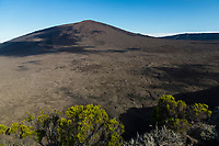 France, île de la Réunion, Parc national de La Réunion, classé Patrimoine Mondial de l'UNESCO, volcan du Piton de la Fournaise, l'Enclos, le cratère Formica Léo // France, Reunion island (French overseas department), Parc National de La Reunion (Reunion National Park), listed as World Heritage by UNESCO, Piton de la Fournaise volcano, the Enclos, Formica Leo crater