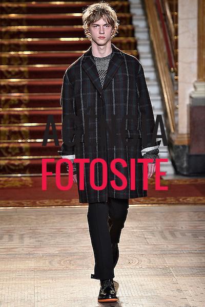 Pringle of Scotland<br /> <br /> Londres Masculino - Inverno 2016<br /> <br /> <br /> foto: FOTOSITE
