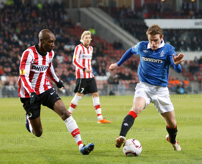 Steven Davis goes past Atiba Hutchinson