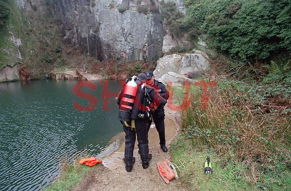 Police Underwater Search and Rescue Team. This image may only be used to portray the subject in a positive manner..©shoutpictures.com..john@shoutpictures.com