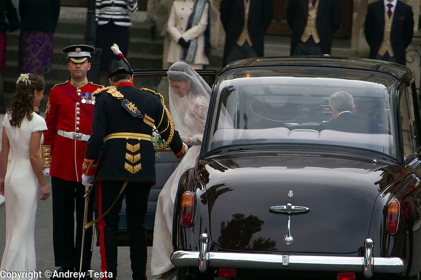 UK. London. 29th April 2011..KAte Middleton arrives at the Abbey.©Andrew Testa for the New York Times..