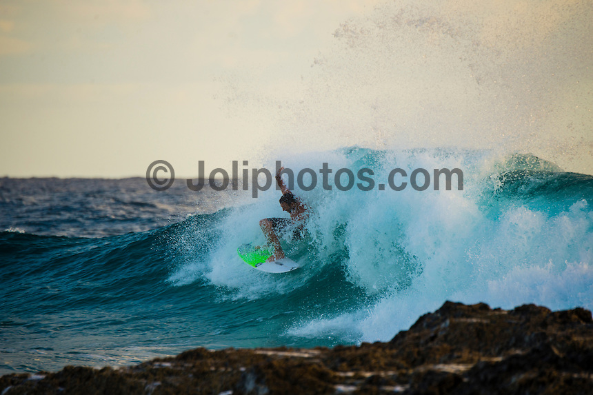 Snapper Rocks, Coolangatta, Queensland Australia. (Sunday March 2, 2014) Joel Parkinson (AUS). –  The swell  stayed in the 2'-3' range overnight with some clean mid tide waves early at Snapper Rocks. The  9 am high tide killed the waves though. Photo: joliphotos.com