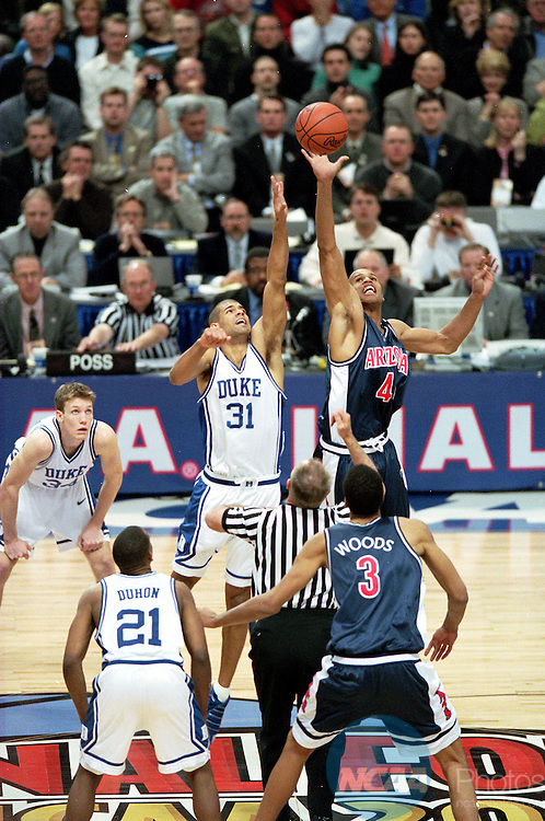 02 APR 2001:  University of Arizona forward Richard Jefferson (44) scrambles for the ball as Duke forward Shane Battier (31) start the NCAA Men's National Basketball Final Four championship game held at the Hubert H. Humphery Metrodome in Minneapolis, MN. Duke defeated Arizona 82-72 for the title. Also pictured Arizona center Loren Woods (3) and Duke guard/forward Mike Dunleavy (34)and guard Chris Duhon (21). Brian Gadbery/NCAA Photos