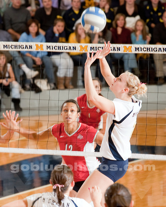 10/17/09 Michigan vs. Ohio State volleyball at Cliff Keen Arena.