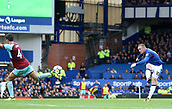 1st October 2017, Goodison Park, Liverpool, England; EPL Premier League Football, Everton versus Burnley; Wayne Rooney of Everton fires a shot at goal from the edge of the penalty area