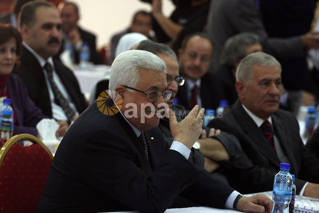 Palestinian President Mahmoud Abbas attends a meeting of the Fatah Revolutionary Council in the West Bank city of Ramallah November 24, 2010 . photo by Issam Rimawi