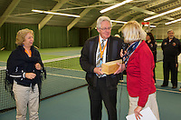 Rotterdam, The Netherlands, March 20, 2016,  TV Victoria, NOJK 14/18 years, umpire Leo Lucas gets a bottle<br /> Photo: Tennisimages/Henk Koster