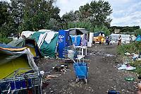 Il campo rom  sotto il Ponte della Magliana