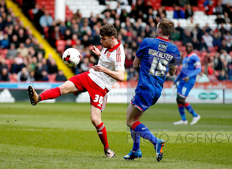 Ben Whiteman of Sheffield Utd  in action during the Sky Bet League One match at The Bramall Lane Stadium. Photo credit should read: Simon Bellis/Sportimage