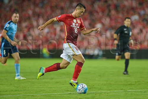 02.03.2016. Sydney, Australia. AFC Champions League. Sydney versus Guangzhou Evergrande. Evergrandes midfielder Huang Bowen breaks though to makes it 1-1.