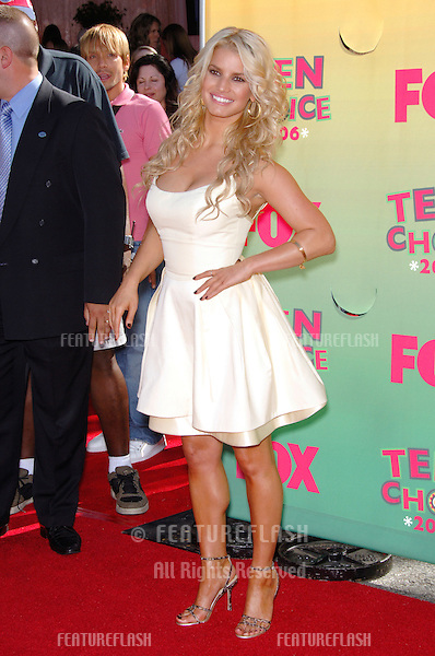 Actress JESSICA SIMPSON at the 2006 Teen Choice Awards at Universal City, Hollywood.20AUG2006  Los Angeles, CA.© 2006 Paul Smith / Featureflash