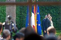 Mariano Rajoy, Mario Monti e Angela Merkel in attesa di fare la foto famiglia a Villa Madama dopo il vertice..(L-R) Spanish Prime Minister Mariano Rajoy and German Chancellor Angela Merkel waiting for the photo family at the end of a meeting at Villa Madama in Rome.